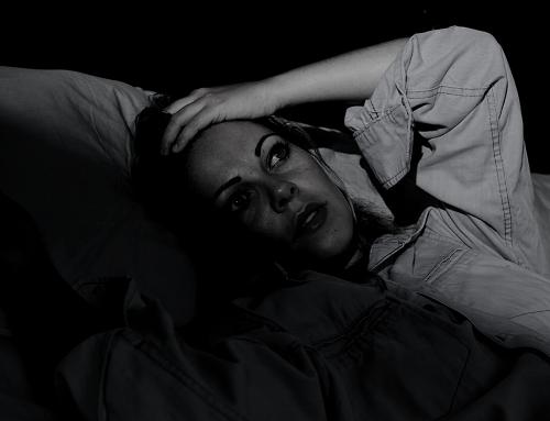 Cómo dormir mejor durante el duelo y combatir el insomnio